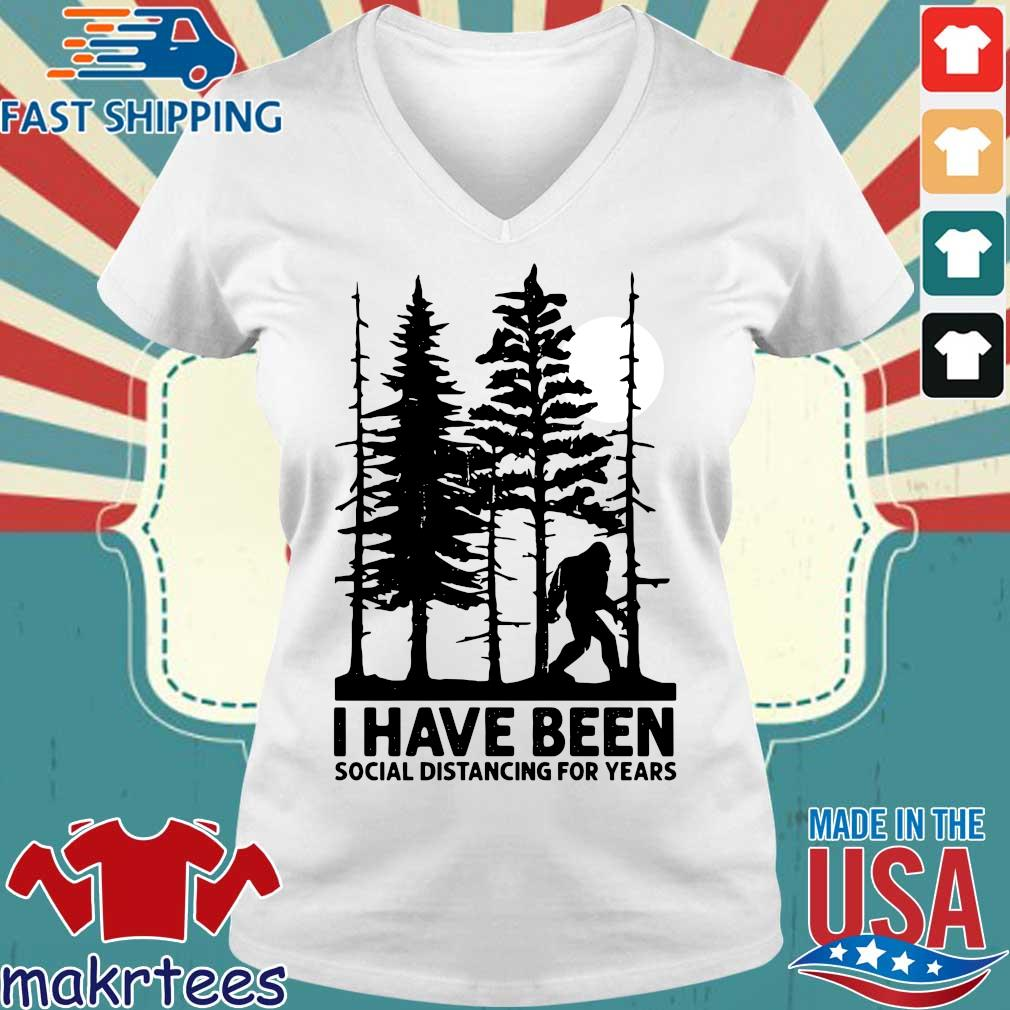 Bigfoot I have been social distancing for years s Ladies V-neck trang