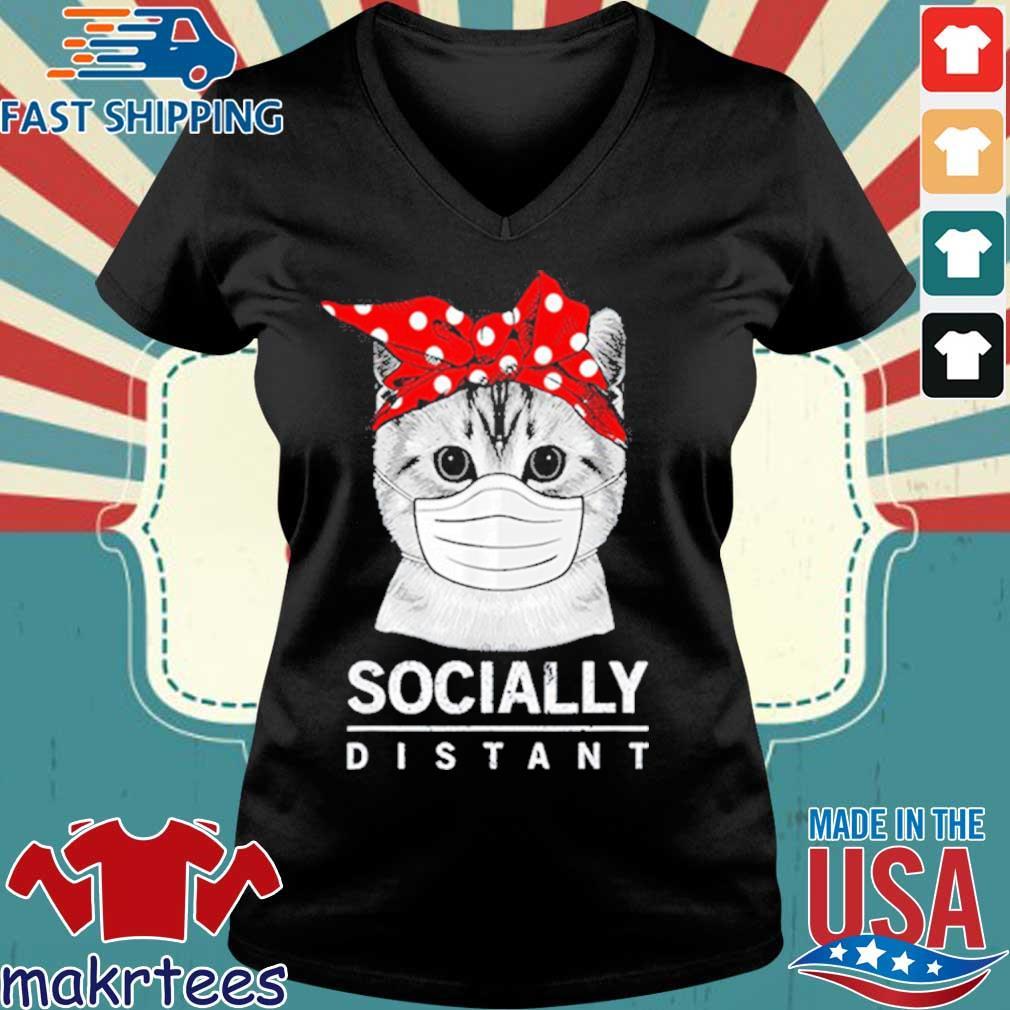Social Distance Virus Prevention Socially Distant Cat Lover Shirt Ladies V-neck den