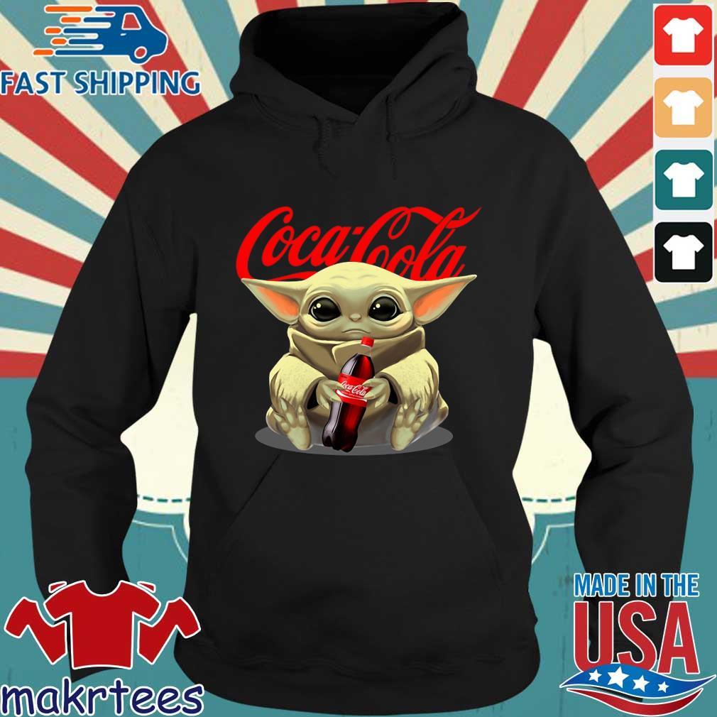Baby Yoda Hug Cocacola Shirt Hoodie den