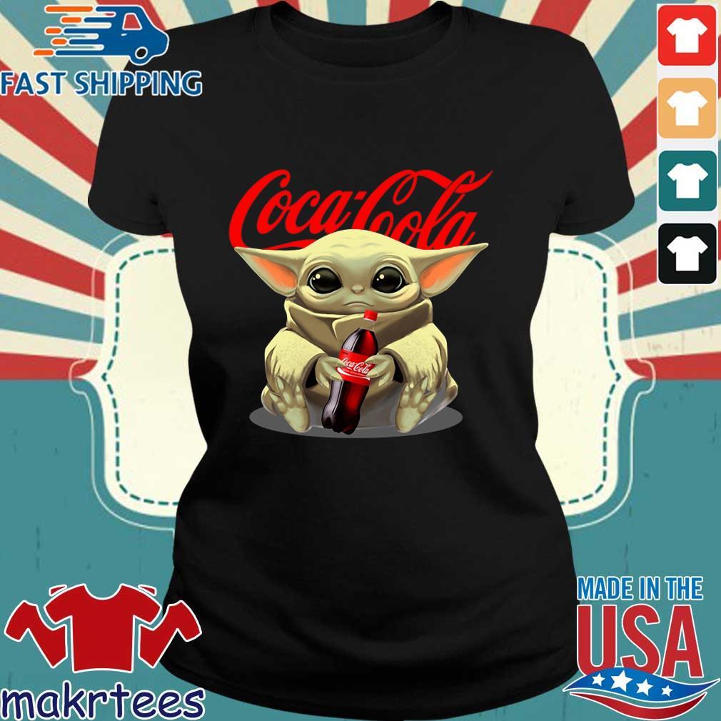 Baby Yoda Hug Cocacola Shirt Ladies den