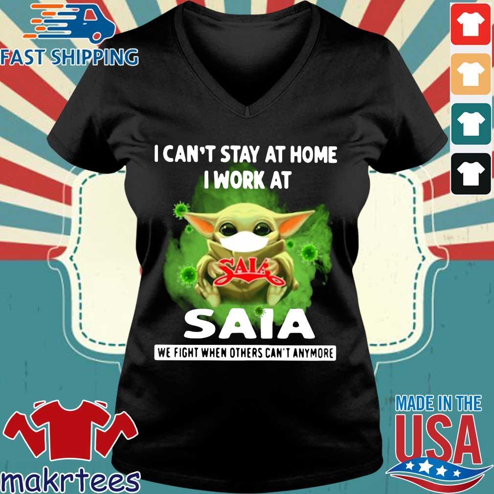 Baby Yoda Mask I Can't Stay At Home I Work At Saia Coronavirus Shirt Ladies V-neck den