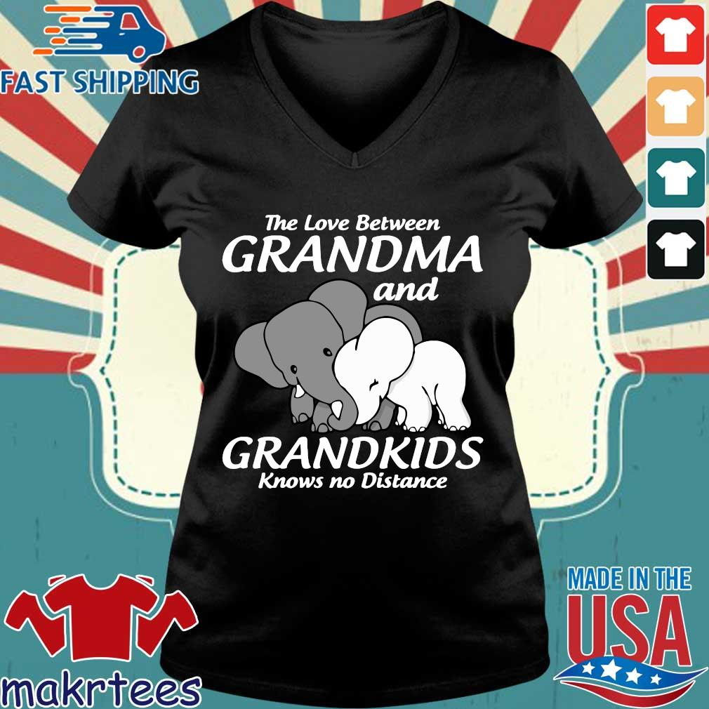 Elephant The Love Between Grandma And Grandkids Knows No Distance Shirt Ladies V-neck den