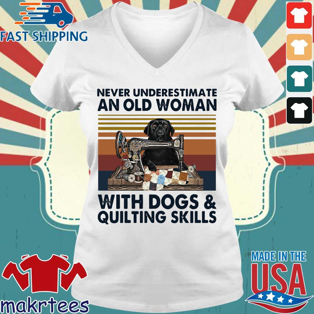 Never underestimate an old woman with dogs and quilting skills vintage s Ladies V-neck trang