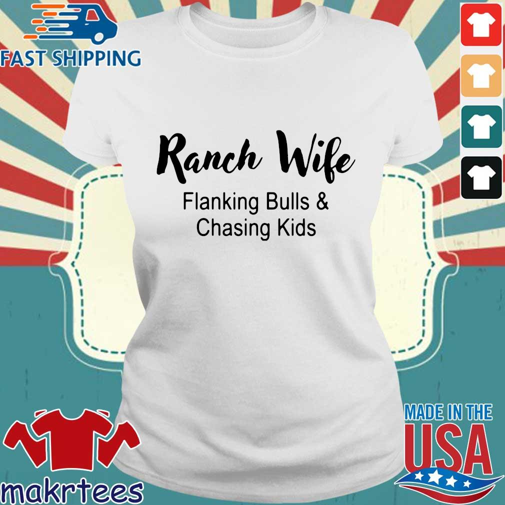 Ranch wife flanking bulls chasing kids s Ladies trang